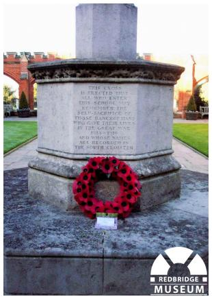 Bancrofts School Memorial Cross. Photo by Adrian Lee.