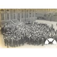 South Park School War Savings Association, Ilford, about 1917. © Courtesy of Elizabeth Freeman