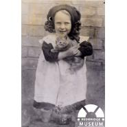 Gladys Harrison of Manor Park, aged about 5, in 1917. © Redbridge Museum.