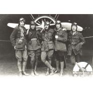 'B' Flight, 44 Squadron, Royal Flying Corps, Hainault Farm, 1918. Left to right: 2nd Lieutenant L.S. Gedge, Lieutenant J.H Summers, Captain Robert N Hall, Lieutenant John Donald Baird DSO, MC, 2nd Lieutenant Thomas Michael O'Neil. © Redbridge Information & Heritage P152